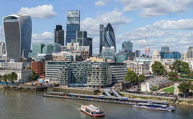 http://www.planpolitik.de/wp-content/uploads/2017/12/City-of-London-skyline-from-London-City-Hall---Sept-2015---Crop-Aligned.jpg